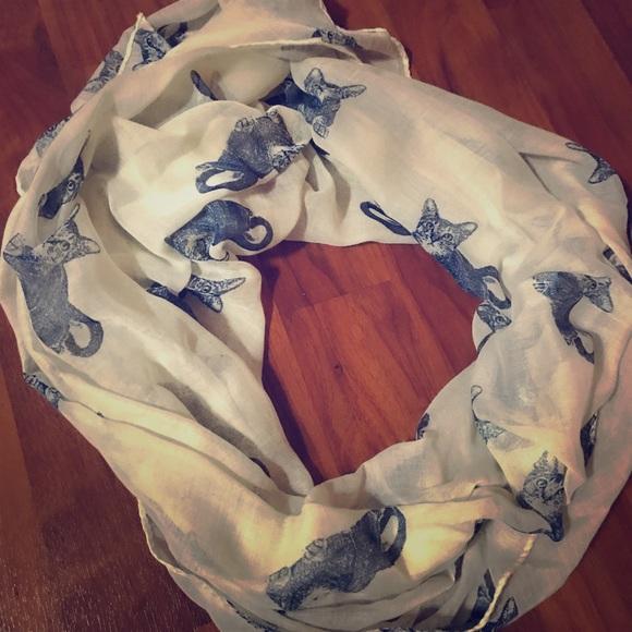 Accessories - Cute and unique kitten scarf 🐱